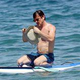 Matt Bomer tras su caída practicando paddle surf en sus vacaciones en Hawaii