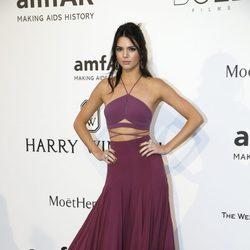 Kendall Jenner en la gala amfAR del Festival de Cannes 2015