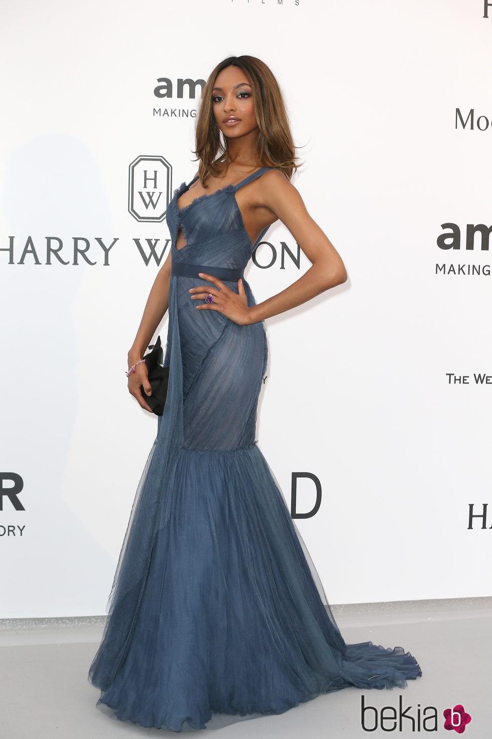 Jourdan Dunn en la gala amfAR del Festival de Cannes 2015