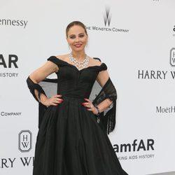 Ornella Muti en la gala amfAR del Festival de Cannes 2015