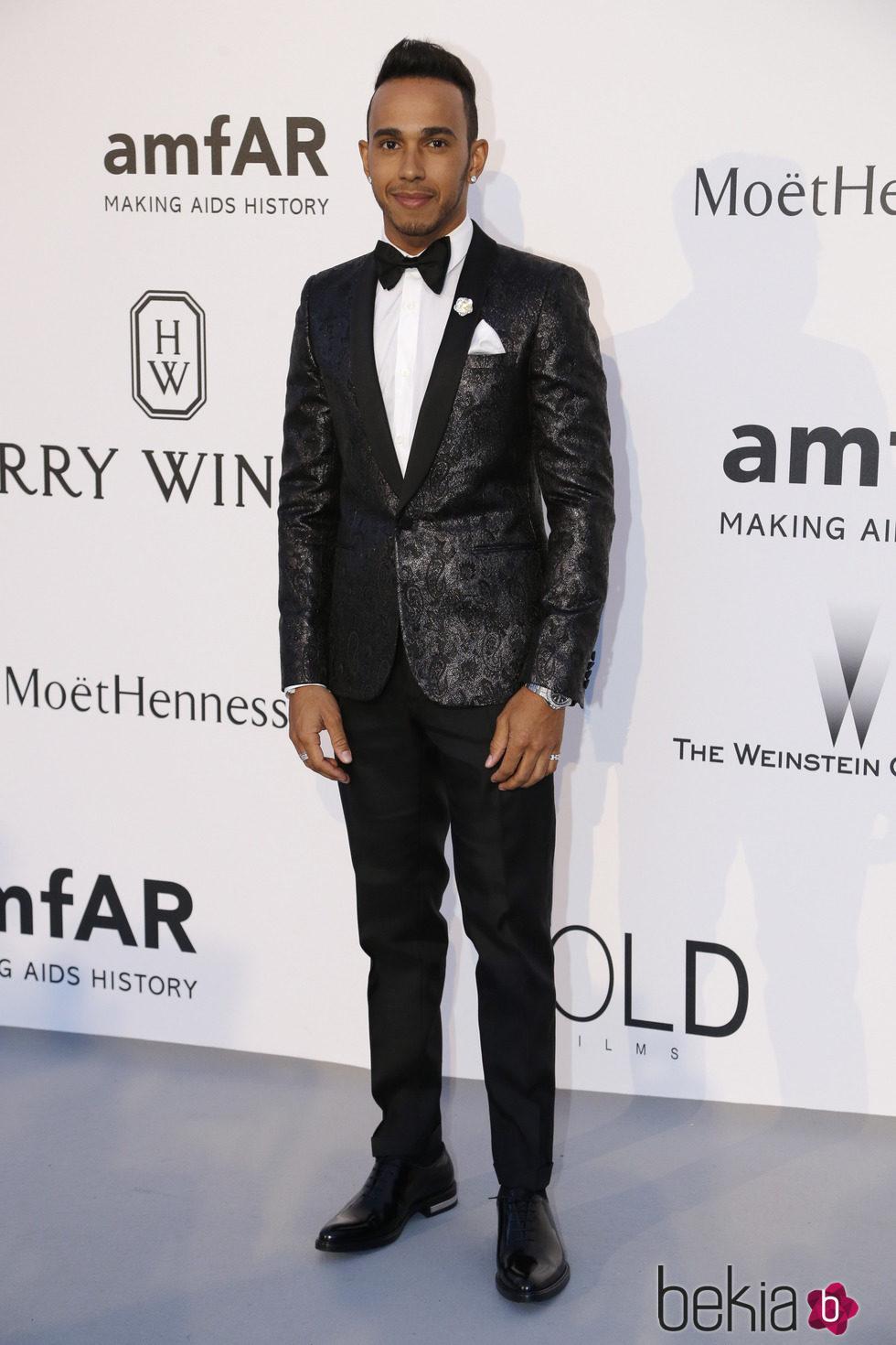 Lewis Hamilton en la gala amfAR del Festival de Cannes 2015