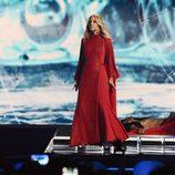 Edurne con un vestido rojo en Eurovisión 2015