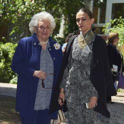 La Infanta Pilar y Laura Ponte en la Comunión de Luis y Laura Gómez-Acebo
