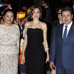 Juan Orlando Hernández y Ana García ofrecen una cena de gala a la Reina Letizia
