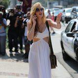 Bella Thorne en la fiesta del Memorial Day 2015 de Joel Silver