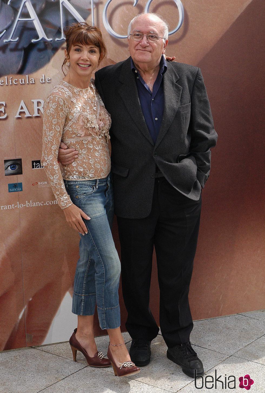 Vicente Aranda junto a una de sus musas, Victoria Abril