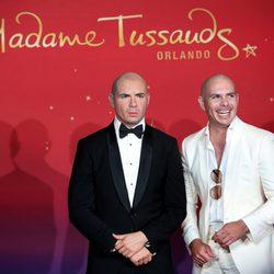 Pitbull y su figura de cera en el Museo Madame Tussauds de Orlando