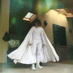 Jaden Smith viste un traje blanco de Batman en su fiesta de graduación