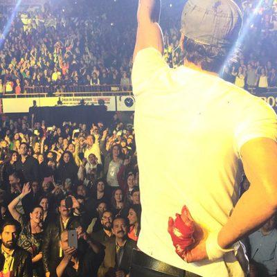 Enrique Iglesias herido durante un concierto en Tijuana