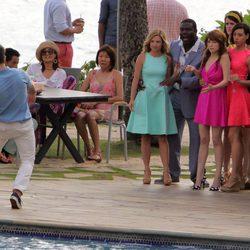 Anna Kendrick ve caer al agua a Zac Efron en el rodaje de su nueva comedia juntos