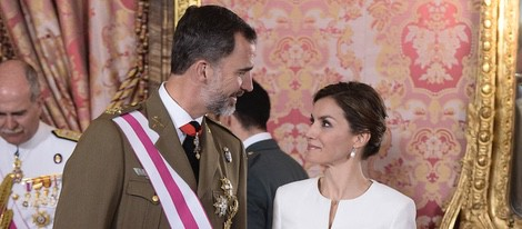 Los Reyes Felipe y Letizia en la recepción del Día de las Fuerzas Armadas 2015