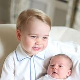 El Príncipe Jorge y la Princesa Carlota en sus primeras fotos oficiales juntos