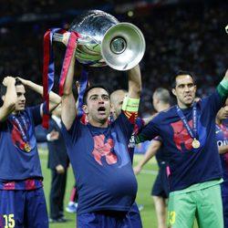 Xavi Hernández celebra la Champions 2015 recordando a su mujer embarazada
