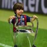 Milan Piqué con la quinta Champions del Barça