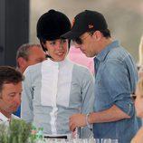 Carlota Casiraghi con Gad Elmaleh en el torneo hípico de Saint Tropez 2015