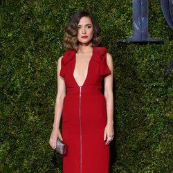 Rose Byrne en la alfombra roja de los Premios Tony 2015