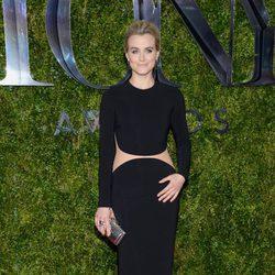 Taylor Schilling en la entrega de los Tony Awards 2015