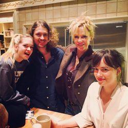 Melanie Griffith con sus hijos Alexander, Dakota y Stella del Carmen