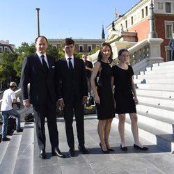 Konstantine de Bulgara y María García de la Rasilla con sus hijos en el funeral de Kardam de Bulgaria