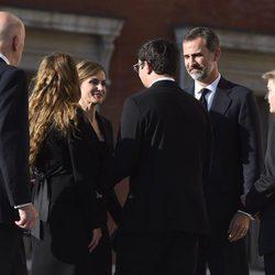 Los Reyes Felipe y Letizia con Miriam Ungría y Boris y Beltrán de Bulgaria en el funeral de Kardam de Bulgaria