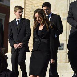 Miriam Ungría y sus hijos Boris y Beltrán de Bulgaria en el funeral de Kardam de Bulgaria