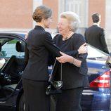 La Reina Letizia y Beatriz de Holanda en el funeral de Kardam de Bulgaria