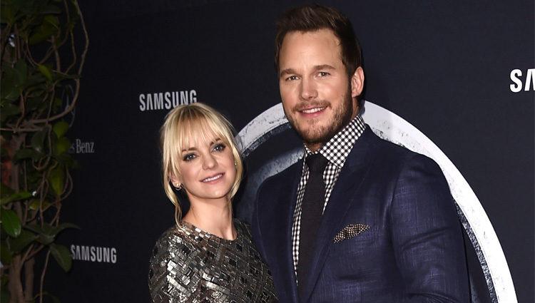 Anna Faris y Chris Pratt en el estreno de 'Jurassic World' en Los Angeles