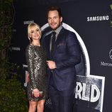 Anna Faris y Chris Pratt en el estreno de 'Jurassic World' en Los Angeles