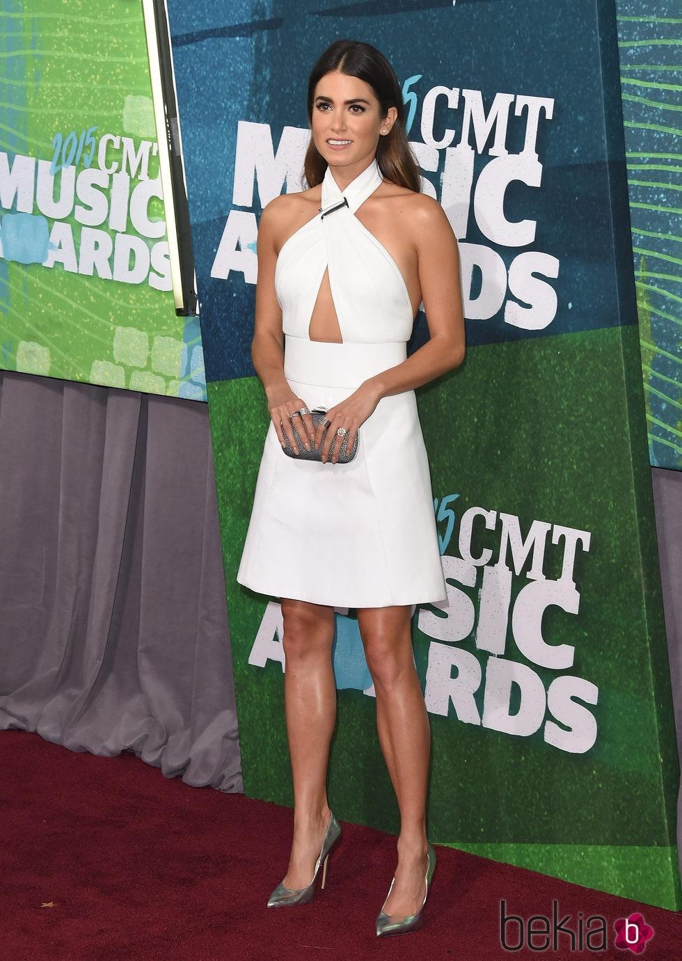 Nikki Reed en los CMT Music Awards 2015