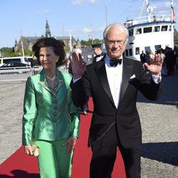 Carlos Gustavo y Silvia de Suecia en la cena de gala previa a la boda de Carlos Felipe de Suecia y Sofia Hellqvist