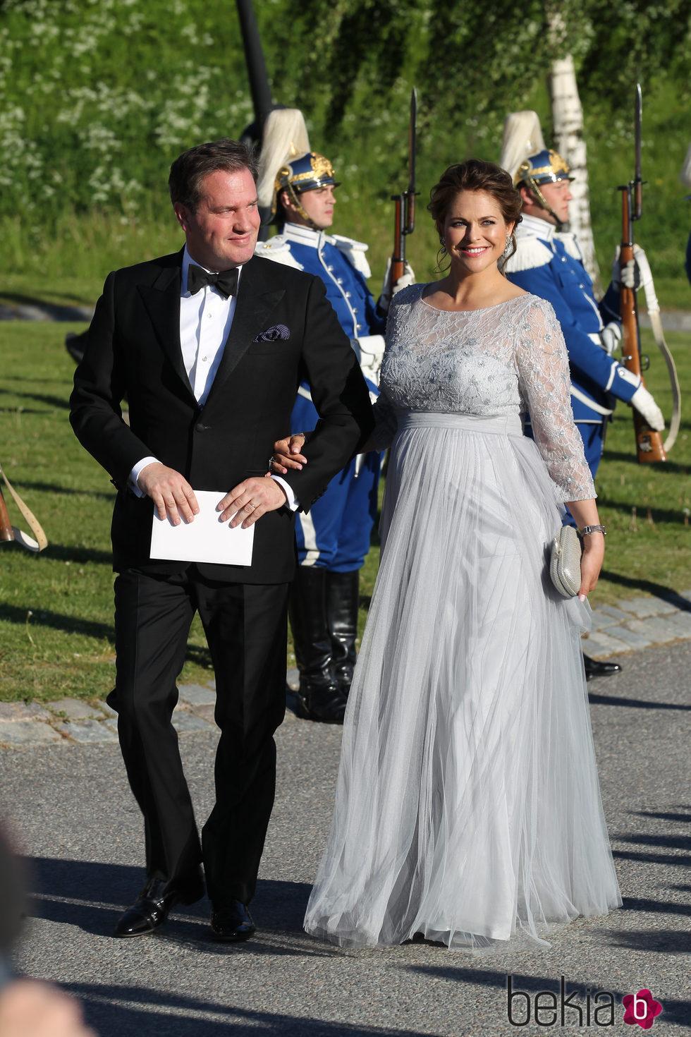 Magdalena de Suecia y Chris O'Neill en la cena de gala previa a la boda de Carlos Felipe de Suecia y Sofia Hellqvist
