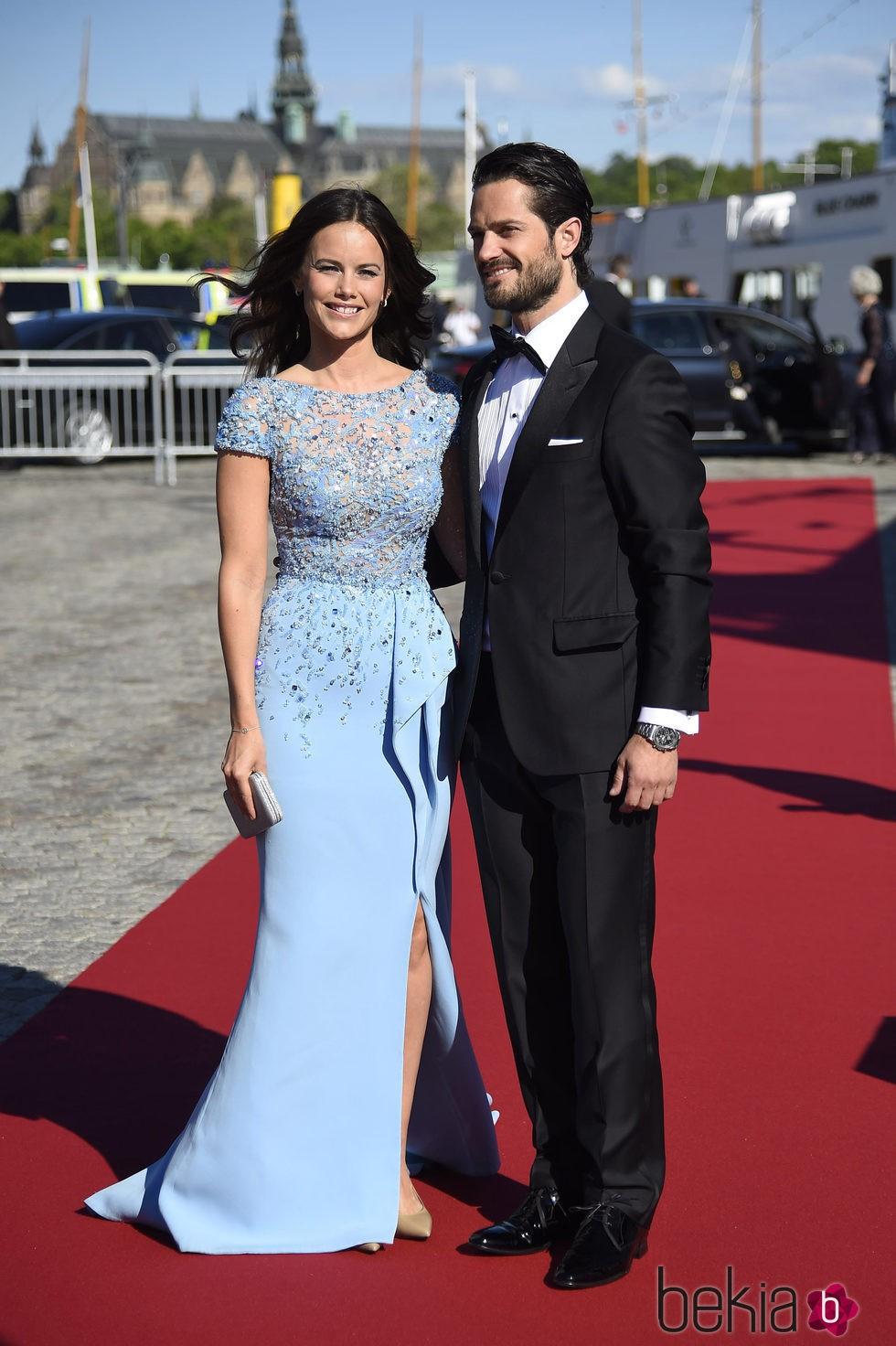 Carlos Felipe de Suecia y Sofia Hellqvist en la cena de gala previa a su boda