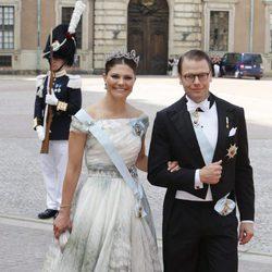Victoria y Daniel de Suecia en la boda de Carlos Felipe de Suecia y Sofia Hellqvist