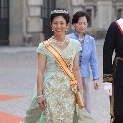 Hisako Takamado de Japón en la boda de Carlos Felipe de Suecia y Sofia Hellqvist