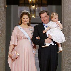 Magdalena de Suecia y Chris O'Neill con su hija Leonor tras la boda de Carlos Felipe y Sofia de Suecia