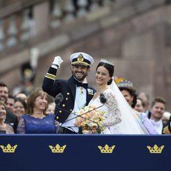 Carlos Felipe de Suecia y Sofia Hellqvist en su boda