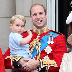 El Príncipe Guillermo con su hijo Jorge de Cambridge en el Trooping the Colour 2015