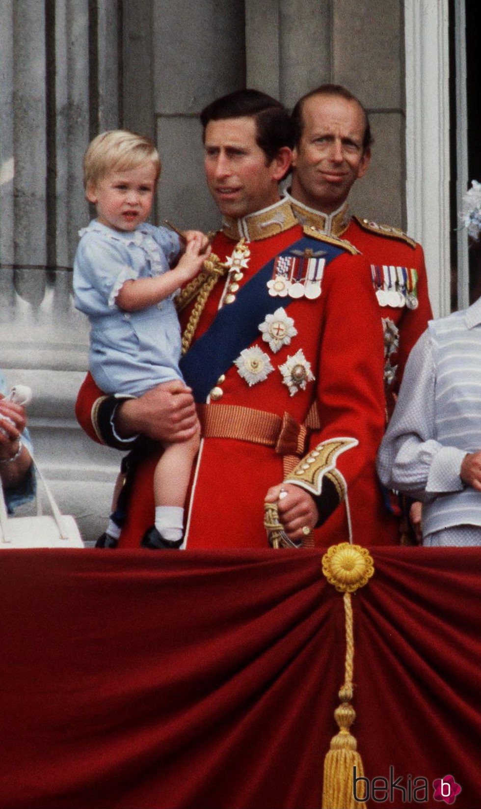 El Príncipe Carlos con Guillermo de Inglaterra en el Trooping the Colour 1984