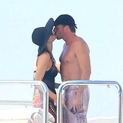 Paris Hilton y Thomas Gross besándose durante sus vacaciones en Formentera