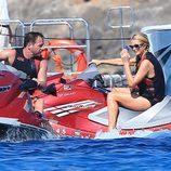 Paris Hilton y Thomas Gross surcando las aguas de Formentera en moto de agua
