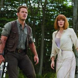 Bryce Dallas Howard y Chris Pratt en una escena de 'Jurassic World'