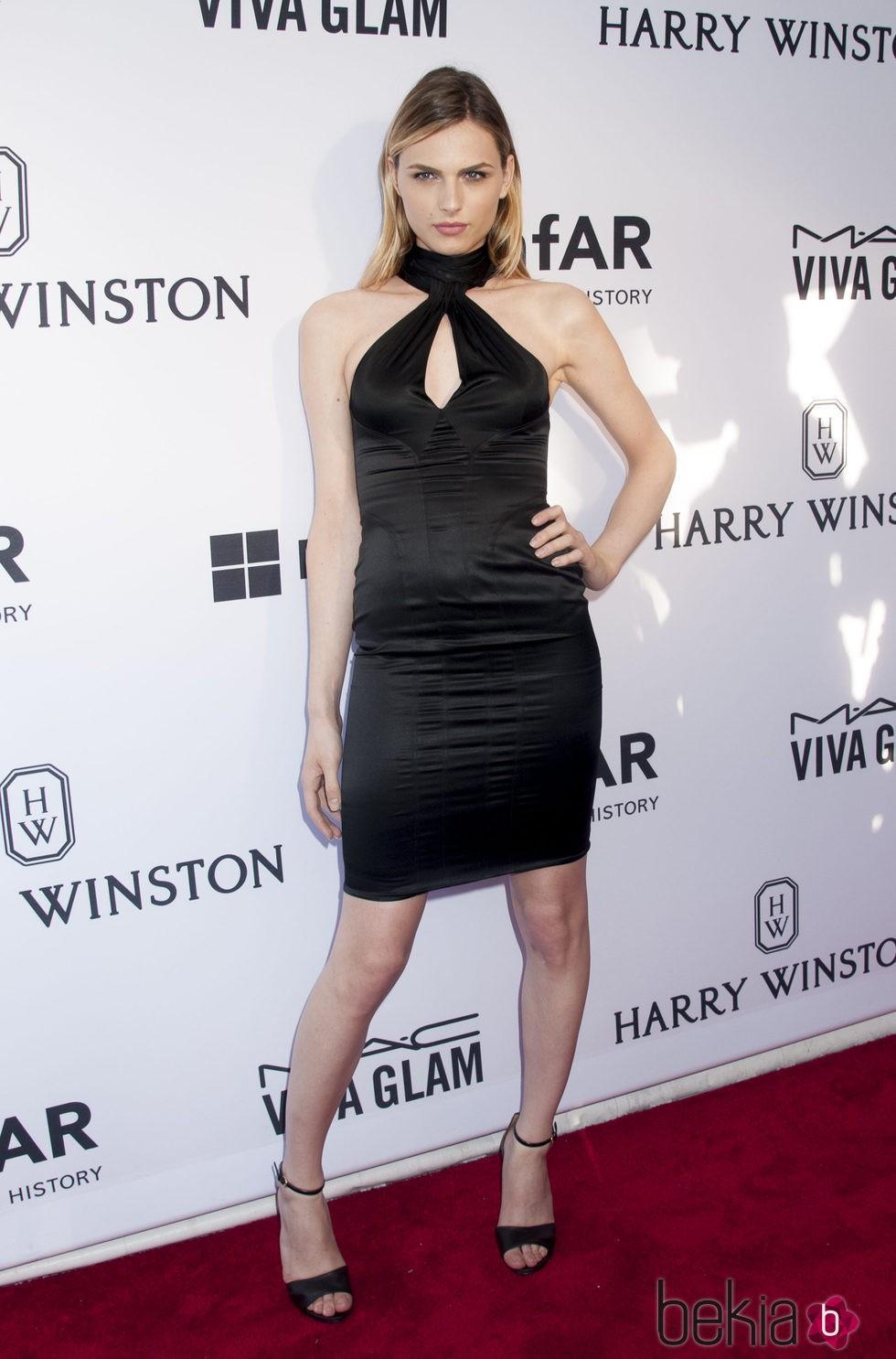 Andreja Pejic en la gala amfAR Inspiration de Nueva York 2015