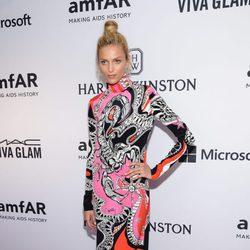 Anja Rubik en la gala amfAR Inspiration de Nueva York 2015