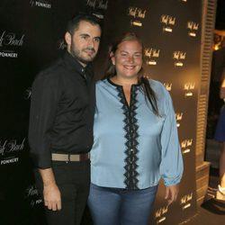 Emiliano Suárez y Caritina Goyanes en la apertura de la terraza de verano 'Punk' en Madrid
