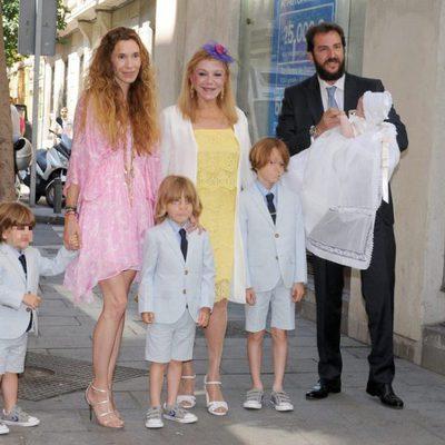 Fotos de blanca cuesta for Blanca romero y sus hijos