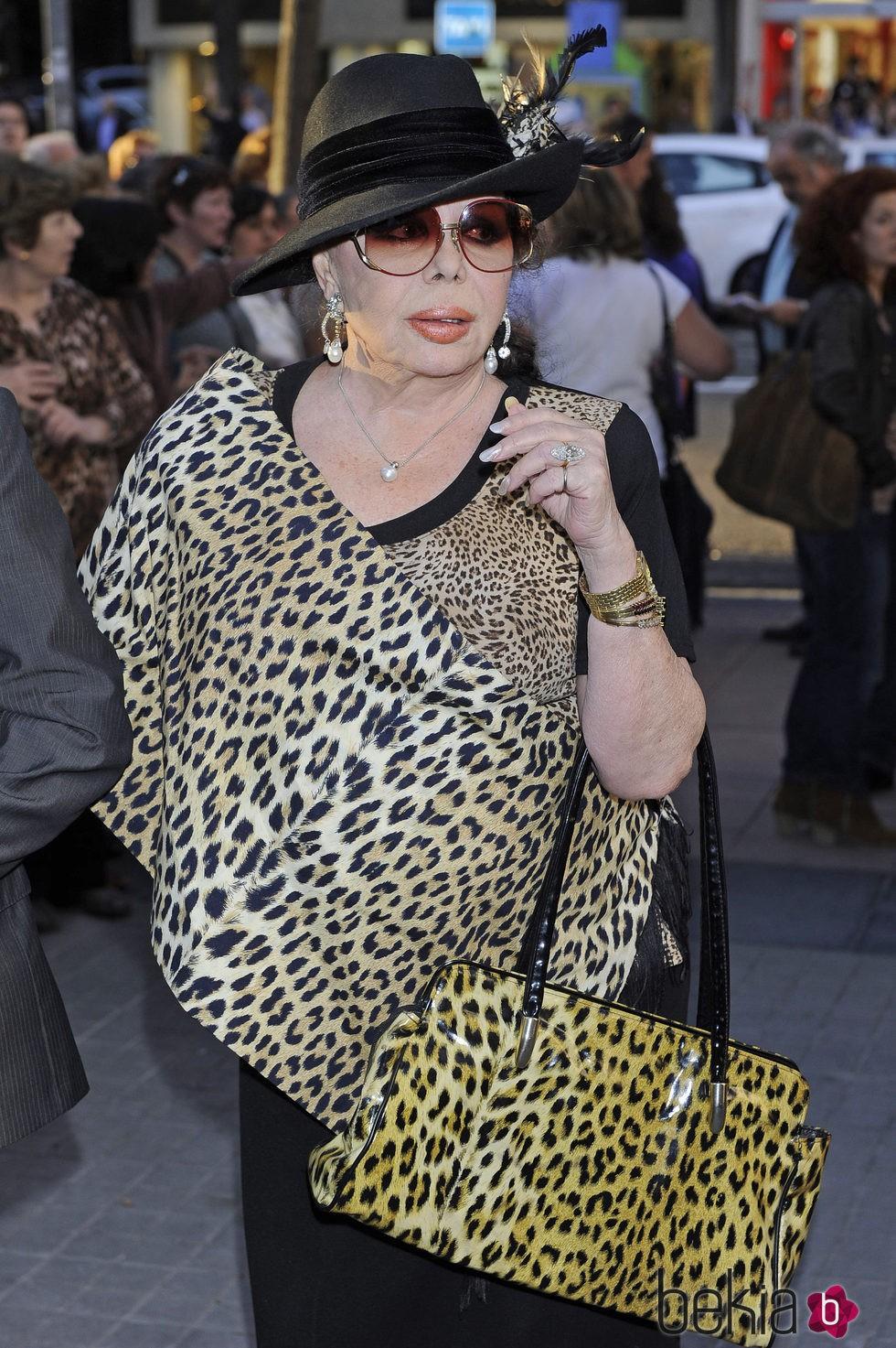 Marujita Díaz en el funeral de Sara Montiel