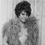 Marujita Díaz en topless en un posado de 1977