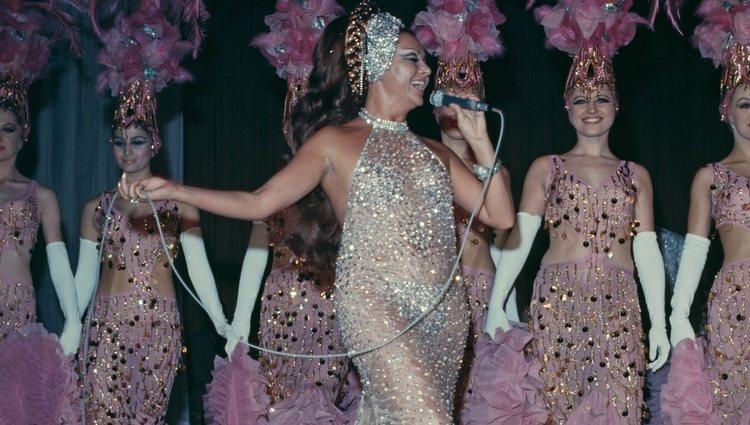 Marujita Díaz ofreciendo uno de sus shows