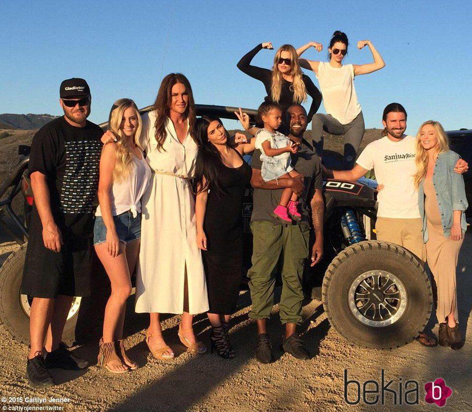 Caitlyn Jenner celebrando el Día del Padre con su familia