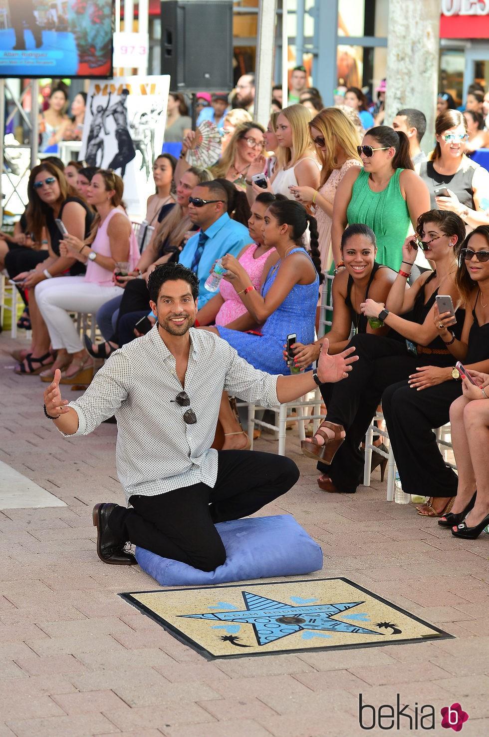 Adam Rodriguez recibe su estrella en el Paseo de la Fama de Miami